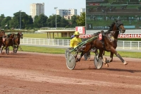 photo de DERBY DU DOLLAR