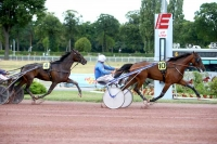 photo de FAME AND FORTUNE